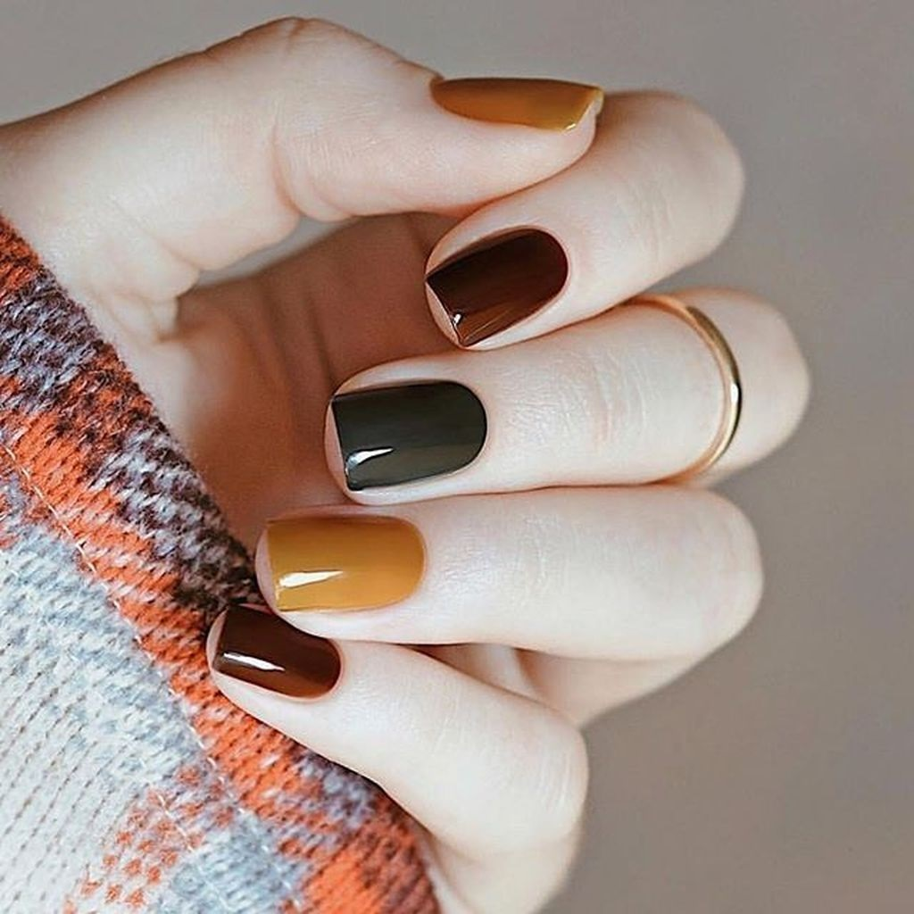 Fall nail design with Foliage Patterns