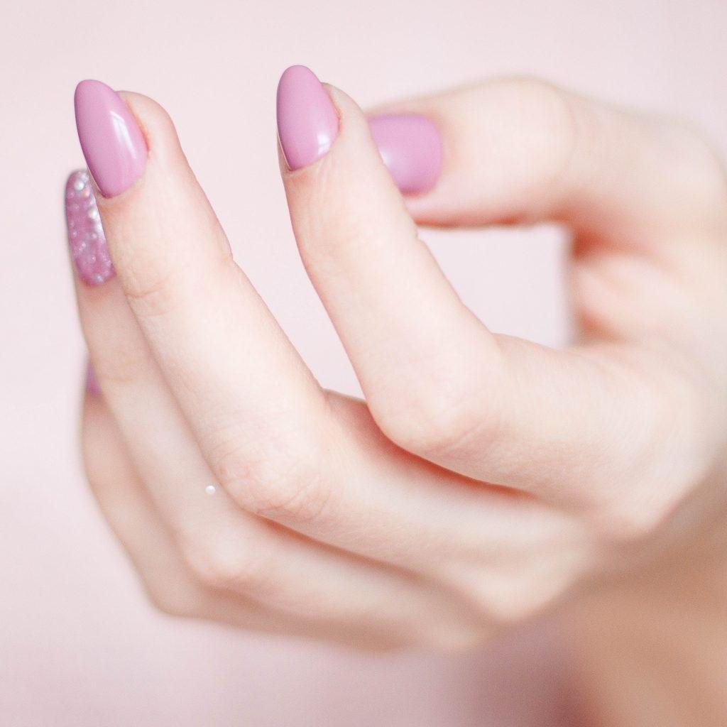 Fall nail design with purple gel nail polish